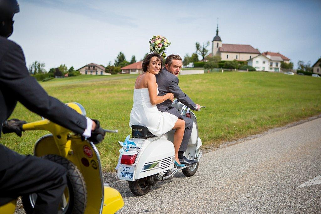 Mariage en Vespa à Saint Martin de Bellevue, au dessus d'Annecy (74)