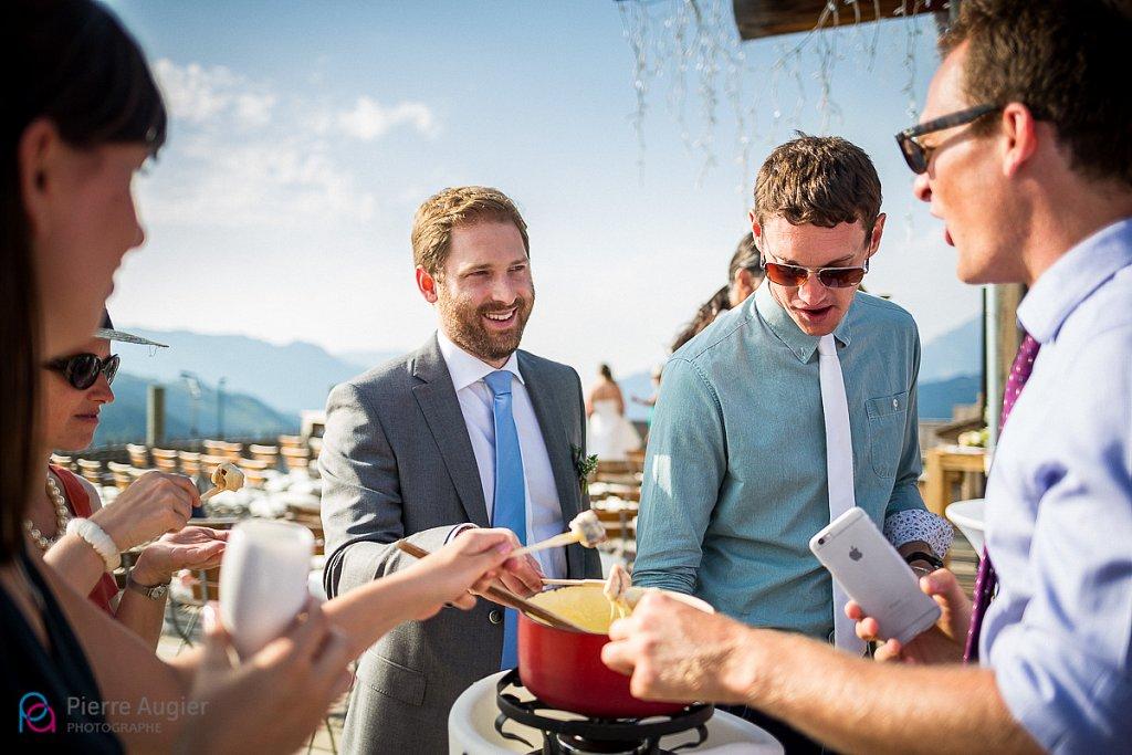 alpes annecy chalet french alps haute-savoie la clusaz lake-montagne le grand-bornand mariage mariage-a-la-montagne photographe-mariage télémark café wedding wedding-photographer